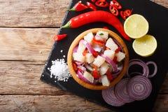 与接近的菜和的石灰的传统ceviche海鲜  免版税库存图片