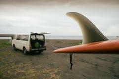 与搬运车的海浪 图库摄影