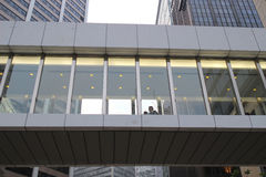 与摩天大楼的抽象未来派都市风景视图 图库摄影