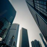 与摩天大楼的未来派都市风景 香港 库存照片