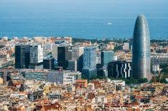 与摩天大楼的风景空中都市风景在巴塞罗那在西班牙 图库摄影