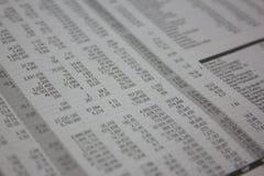 与数字的桌,股市分析 免版税库存照片