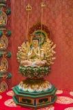 与数量胳膊和头的菩萨小雕象 免版税库存照片