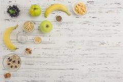 与文本空间的健康早餐在左角 库存图片