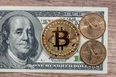 与新的真正金钱的100美元钞票 库存图片