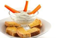 与新鲜的被烘烤的Crostini的自创莳萝垂度 库存照片