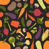 与新鲜的鲜美菜和蘑菇的无缝的样式在黑背景 背景用健康素食食物或 库存例证