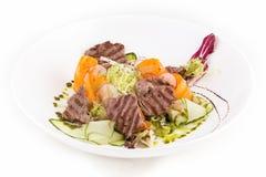 与新鲜蔬菜的英国烤牛肉 库存照片