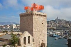 与旗子的塔,马赛,法国 库存照片