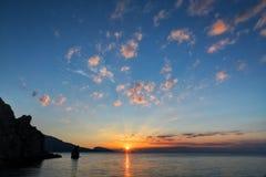 与日出的美好的风景 免版税库存图片