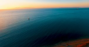 与日落的海景在海 股票视频