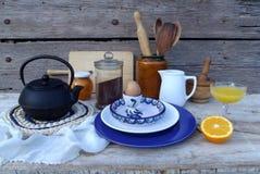 与早餐事的静物画 免版税库存照片