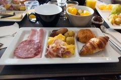 与早餐- 01的餐巾 库存照片