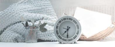 与时钟的构成 免版税库存图片