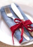 与时髦的设定的典雅的桌盘宴会的 免版税库存照片