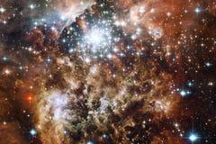 与星云和星的无限美好的波斯菊背景 美国航空航天局装备的这个图象的元素 免版税库存图片