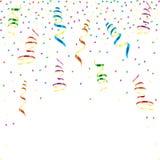 与星五彩纸屑的多色卷曲的丝带 免版税库存图片