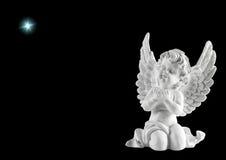 与星的小的白色守护天使 圣诞节装饰装饰新家庭想法 免版税库存照片
