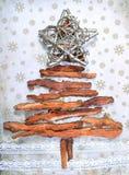 与星的白色圣诞节树 免版税库存照片