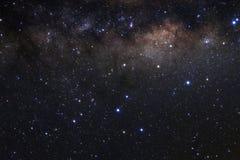 与星的银河星系和空间在宇宙拂去灰尘 图库摄影