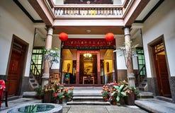与春天对联的传统东方中国遗产大厦 免版税图库摄影