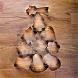 与曲奇饼切割工的圣诞树 库存图片