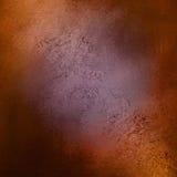 与有裂痕的纹理的紫色橙色棕色和黑背景 免版税图库摄影