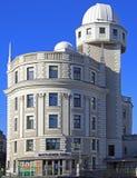 与有趣的建筑学的大厦在维也纳 免版税库存照片