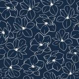 与木兰的时髦无缝的花卉样式在深刻的蓝色颜色开花 导航印刷品的,纺织品手拉的例证,包裹 免版税库存照片
