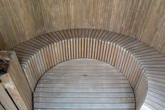与木地板和坐的地方的普通蒸汽浴 库存图片
