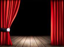与木地板的剧院阶段和打开红色帷幕 库存照片