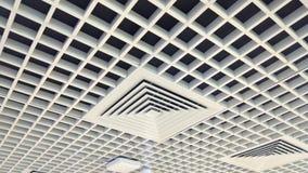 与木头的美好的被设计的内部天花板 免版税库存图片