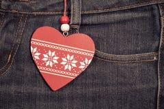 与木心脏的牛仔裤背景 被限制的日重点例证s二华伦泰向量 免版税图库摄影