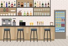 与木柜台、椅子和设备的空的咖啡馆酒吧内部 免版税库存图片