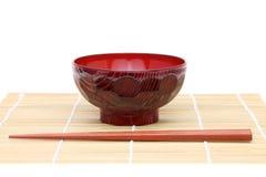 与木碗的筷子 免版税库存图片