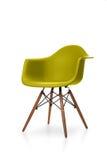 与木腿的现代椅子 库存照片