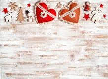 与木装饰的破旧的圣诞节 免版税图库摄影