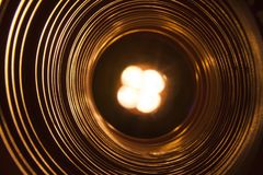 与未来派高科技蠕虫孔隧道的抽象概念性背景 免版税库存照片