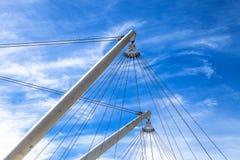 与杆和Bigo尖端杆,全景推力的结构在热那亚古老港口,旅游胜地,意大利 库存图片