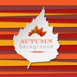 与条纹和叶子的秋天背景 免版税库存照片