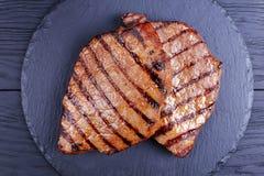 与条纹的可口烤牛排 库存图片