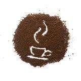 与杯子的颗粒状咖啡 免版税库存图片