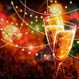 与杯的新年快乐卡片酒 免版税库存照片