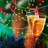 与杯的新年快乐卡片香槟 免版税库存图片