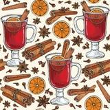 与杯的无缝的样式Mulled加香料的热葡萄酒和香料桂香,丁香, badyan,橙色 图库摄影
