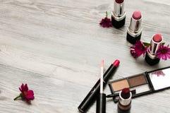 与构成化妆用品集合的大模型 库存照片