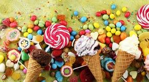 与果冻和糖的糖果 五颜六色的一些不同的childs 库存照片