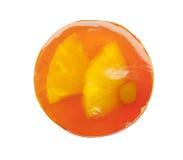 与果冻和透明橙色普通话的圆的果子蛋糕 免版税库存照片