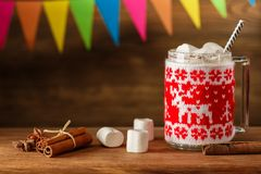 与柔和的和风的圣诞节蛋黄乳 一个舒适晚上 新的y 库存照片
