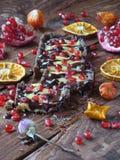 与柠檬奶油的巧克力馅饼 免版税图库摄影